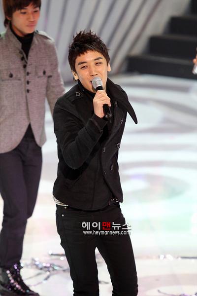 081204 Mnet M Countdown 05.jpg