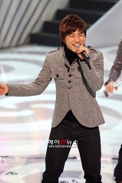081204 Mnet M Countdown 06.jpg