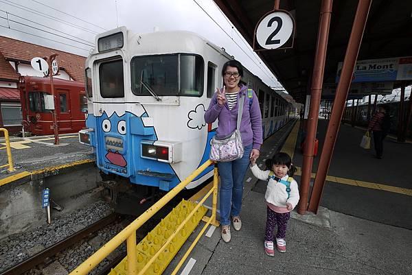這湯瑪士主題列車也是招牌車唷 ...