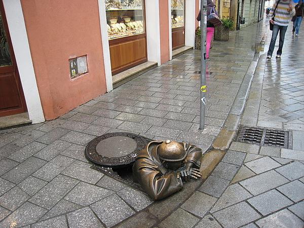 地下水管工人