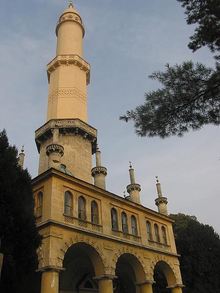 這城堡裡面有伊斯蘭教的塔