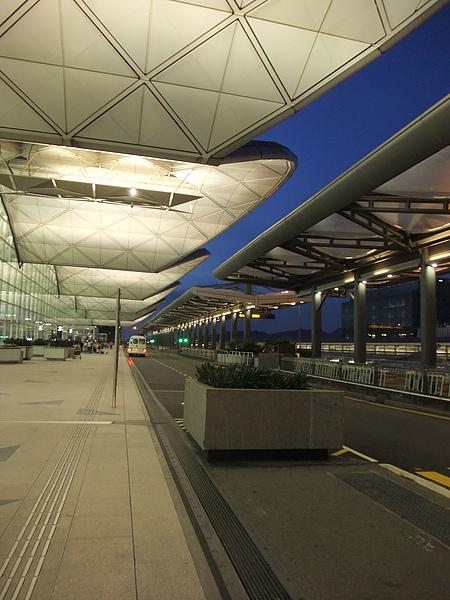 赤蠟角機場3F巴士出境大廳