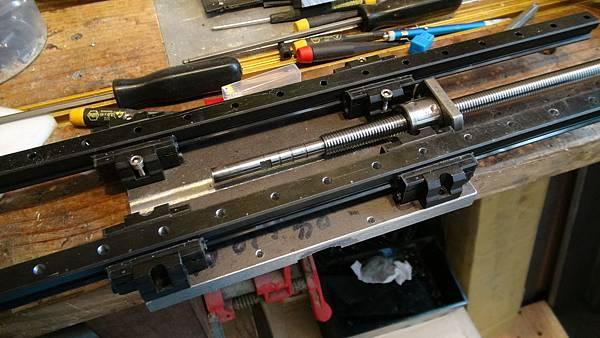 DIY CNC銑床-1-5.JPG