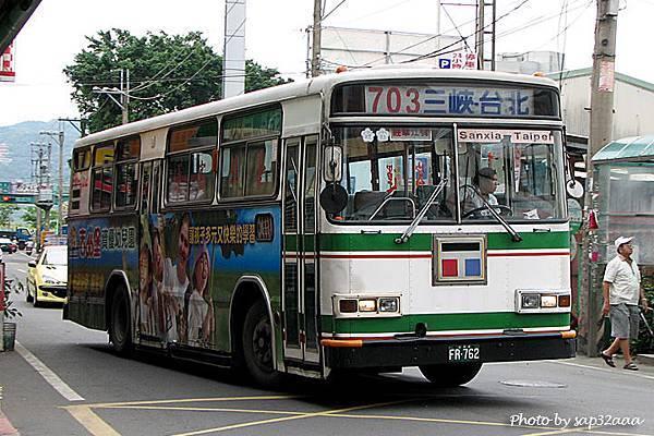 台北客運 703 FR-762