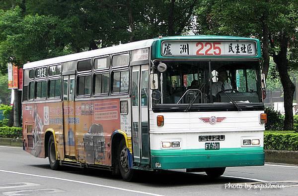 三重客運 225 FT-751