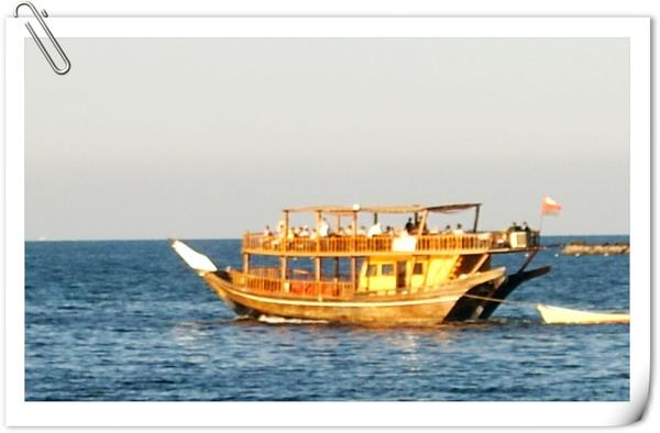 傳統阿曼風格的船(觀光用途)