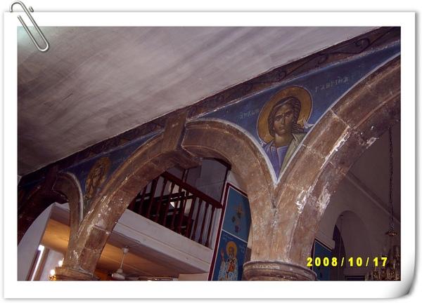 Madaba教堂內樑柱
