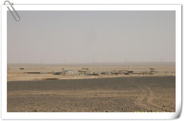 沿路景象(礫漠)