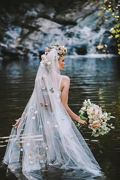 enchanting-floral-wedding-veils