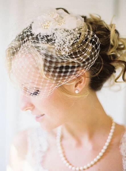 elegant-bridcage-wedding-veils