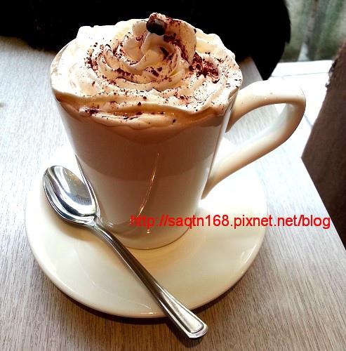 牛奶摩卡咖啡加鮮奶油.jpg