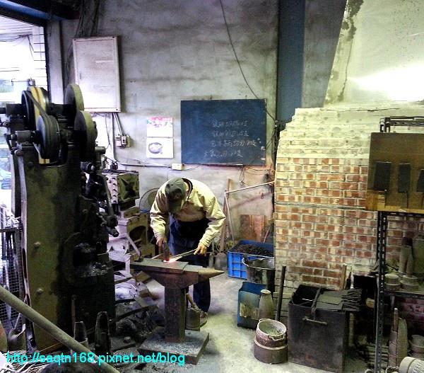 鋼刀工廠3.jpg