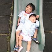 20100620新竹晨光幼稚園~PUPU&妹妹玩耍- (76).JPG