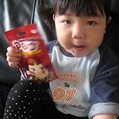 20110525新竹家~妹妹&pekq不二家牛奶糖合照- (8).jpg