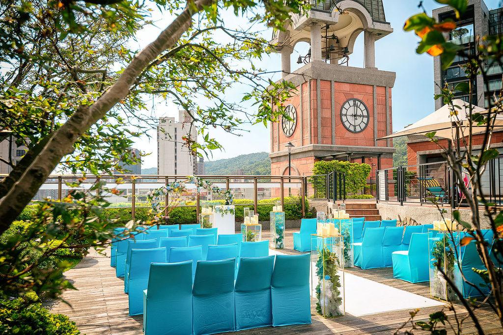 維多麗亞酒店-4F空中池畔花園 (2).jpg