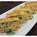 玉子燒~吻仔魚蔥蛋 http://icook.tw/recipes/61746