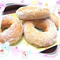 蓬鬆香甜~《奶茶甜甜圈》 http://icook.tw/recipes/59820