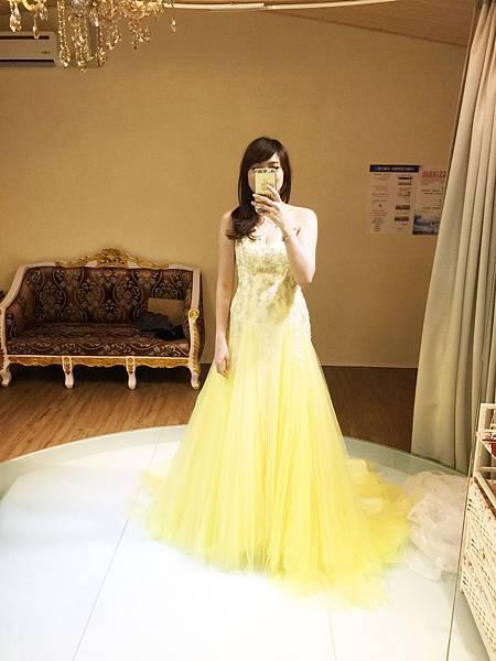 高雄禮服出租(2)-鵝黃色禮服
