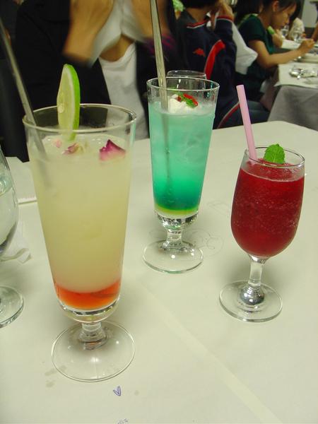 我們這桌的飲料