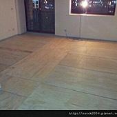 1/12~宜蘭市建蘭南路~別墅房間木地板架高作品!