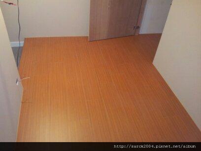 6/1-南京東路店面作品-使用超耐磨木地板:黃金柚木