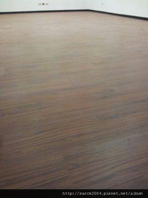 6/14-北市世貿大樓辦公室作品-使用超耐磨地板(品名:緬甸柚木)