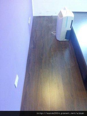 6/20-三重仁愛街住家作品(使用:紫檀木)晶鑽平面超耐磨木地板!