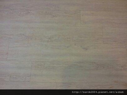 7/11-汐止建成路小孩房木地板作品(使用:時尚雪松)超耐磨木地板!