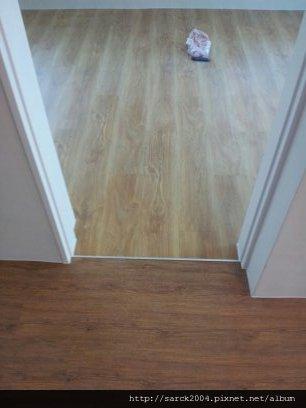 7/12-板橋自強新村住家19坪木地板作品(使用:阿爾薩斯.巴黎左岸)超耐磨地板!