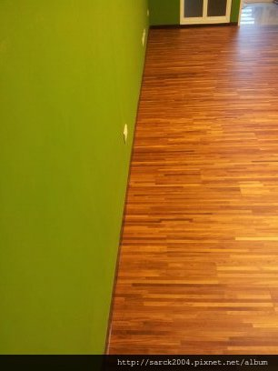 7/17-汐止大同路天廈社區住家木地板施工成果10坪(使用:E1夾板300條柚木指接)海島型木地板!