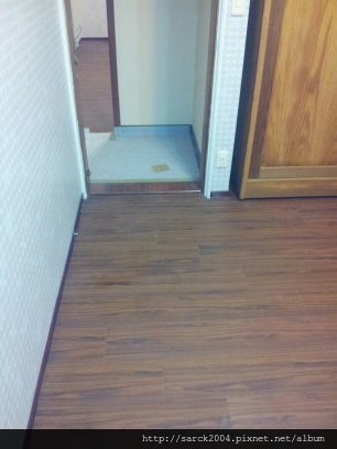 2012/7/24-新店富貴街12坪住家木地板施工作品(使用:緬甸柚木)強化超耐磨木地板!
