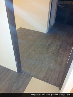 2012/8/30-木柵正大三街木地板施工作品(使用:極鐵)