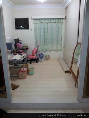 2012/10/2-3*八德忠勇街木地板施工19坪(雷根橡木)淺色系超耐磨木地板!