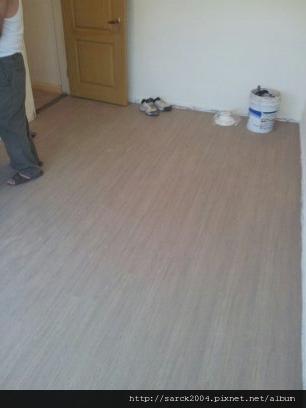 2012/10/5*士林天玉街超耐磨木地板施工(使用:京都橡木)淺灰色系!