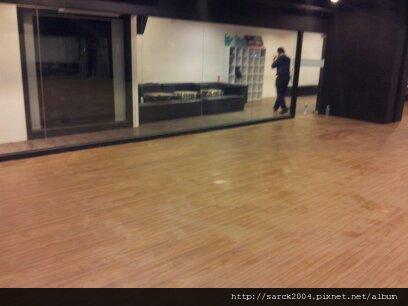 2012*台中西屯路舞蹈教室32坪木地板施工*馬爾地夫榆木*小浮雕系列*密集板拆除