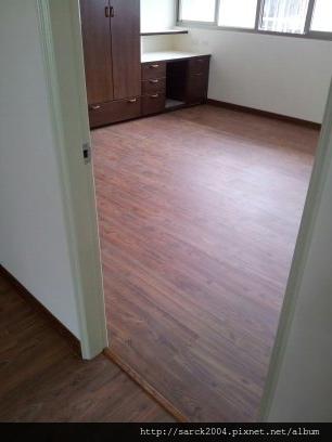 2012*北市大直住家24坪木地板施工*阿拉伯膠木*超耐磨浮雕系列