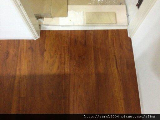 2012*板橋僑中二街住家12坪木地板施工*胭脂花梨*亮面超耐磨木地板