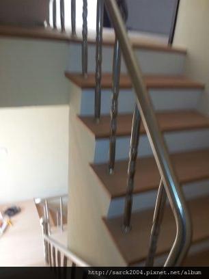 2012*新竹市住家樓梯木地板施工作品@品名:愛爾斯@海島型超耐磨木地板