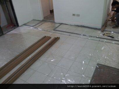 2012*北市安居街21坪木地板架高施工作品*冰島白栗木*SK系列