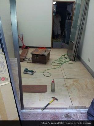 2012*三重正義北路木地板施工*緬甸柚木*海島型超耐磨木地板