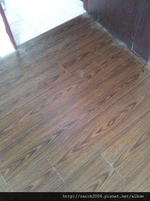 2013*新北市土城區木地板施工成果*夜來香/海島型超耐磨木地板*同步壓紋