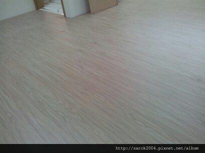 2013*北市民生東路架高木地板施工*北歐冰柏/手刮系列*無接縫.海島型超耐磨木地板!