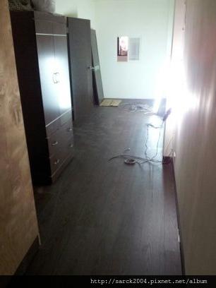 風格木地板*2013*基隆市曲水街,直舖木地板施工*地面平整超適合直舖施工唷*品名:夜來香_同步木紋系列/理想家/葛萊美系列/強化海島型超耐磨木地板!