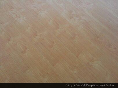 風格木地板*2013*北市太原路工作室木地板直鋪施工*舒適的木地板能增加工作效率唷*品名:北美楓木/理想家,歐悅系列/硝光面處理/超強化海島型超耐磨木地板/直鋪施工特價中!請電洽!