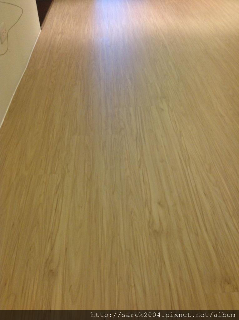 風格木地板*2013*新北勢太山區直鋪木地板施工*北歐風時尚木地板系列*品名:北歐冰柏/手刮浮雕系列/超強化海島型超耐磨木地板/防潮抗焰/低甲醛木地板!