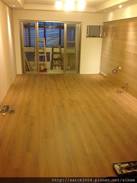 品名:湯姆橡木/海島型超耐磨木地板/3D同步木紋