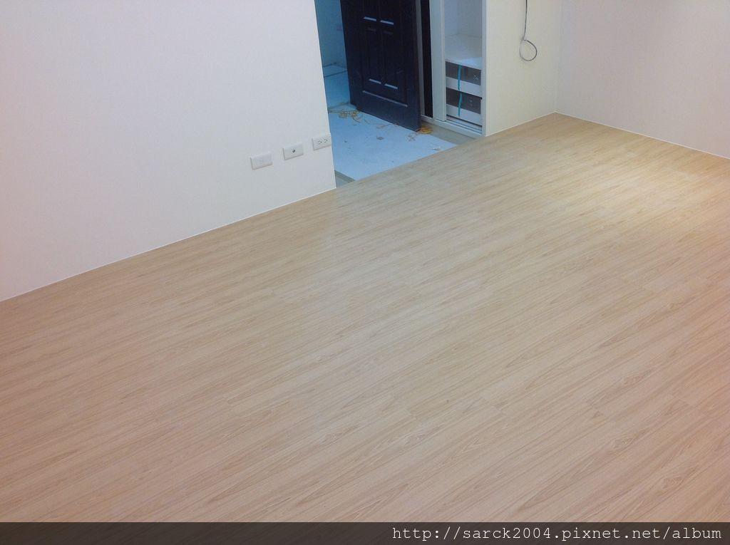 品名:台灣檜木/海島型超耐磨木地板