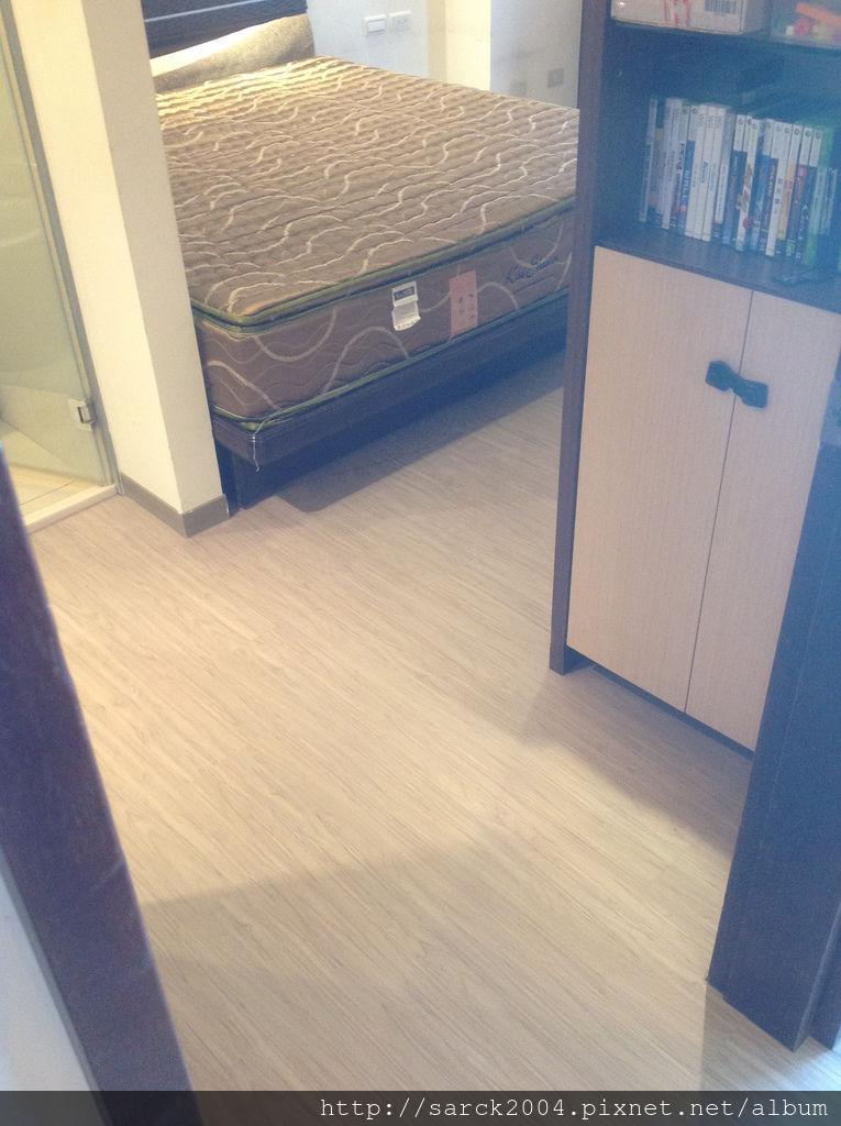 品名:北歐冰柏/海島型超耐磨木地板