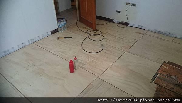 品名:黃金柚木/海島型超耐磨木地板