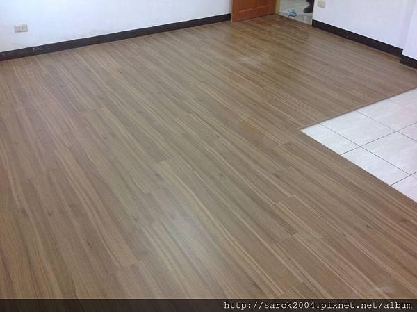 品名:歐洲山胡桃/海島型超耐磨木地板